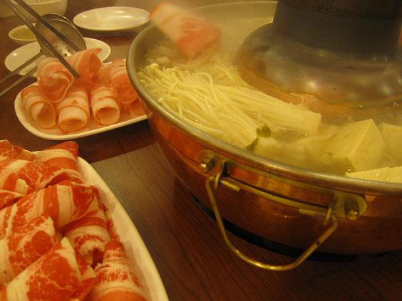 台中東北酸菜白肉鍋